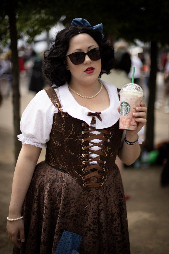 Velveteena Leigh cosplay